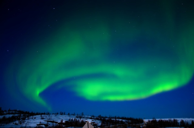 canadian-northern-lights-yellowknife-04-09-2009-1155221