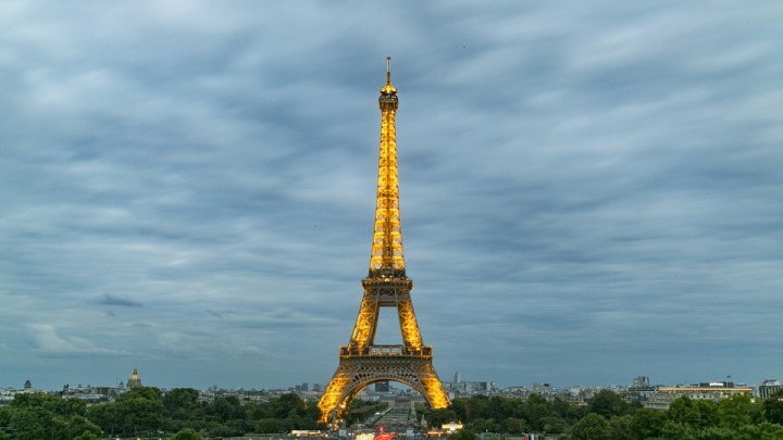 eiffel-tower-927634_960_720