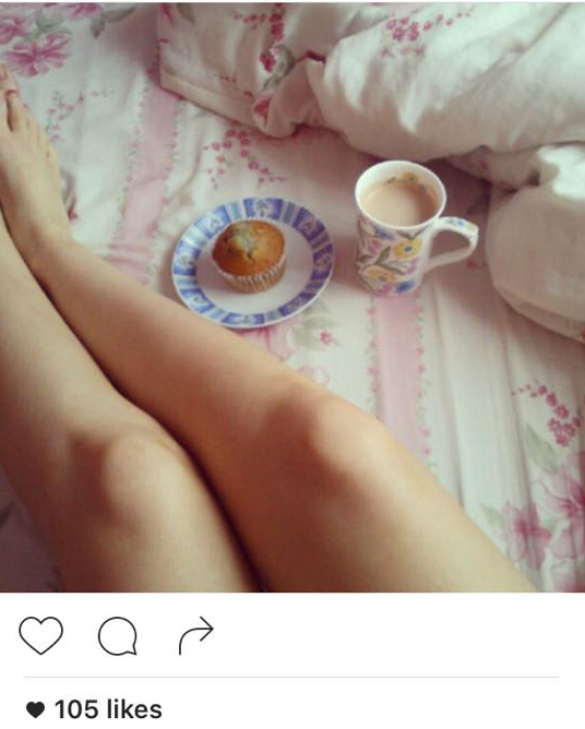 Caption: Hot chocolate and blueberry muffin #morning #breakfast #food #hotchocolate #blueberrymuffin #blueberries #bed #floral #legs