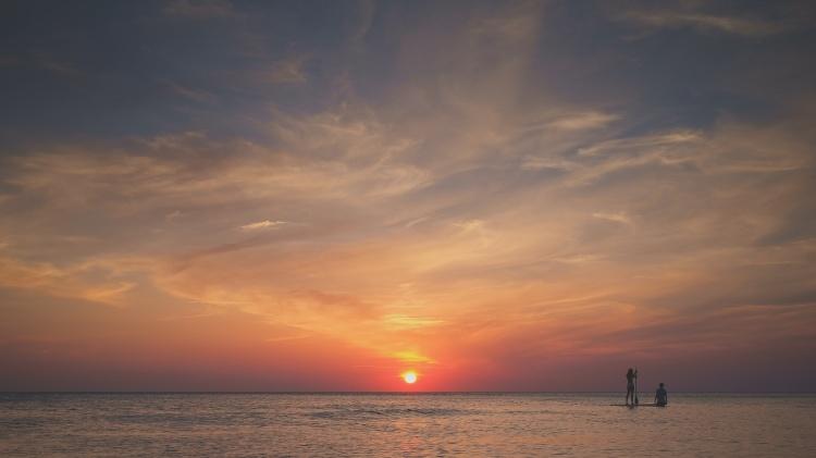sea-dawn-sunset-holiday
